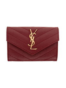 Red Small Envelope Monogramme Wallet Saint Laurent. Купить за 18181 руб. - Quilted embossed calfskin wallet in red. Logo plaque at face. Foldover...